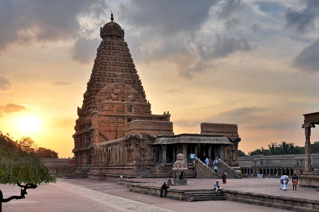 sunset behind Brihadeeswarar temple in tanjore tamil nadu
