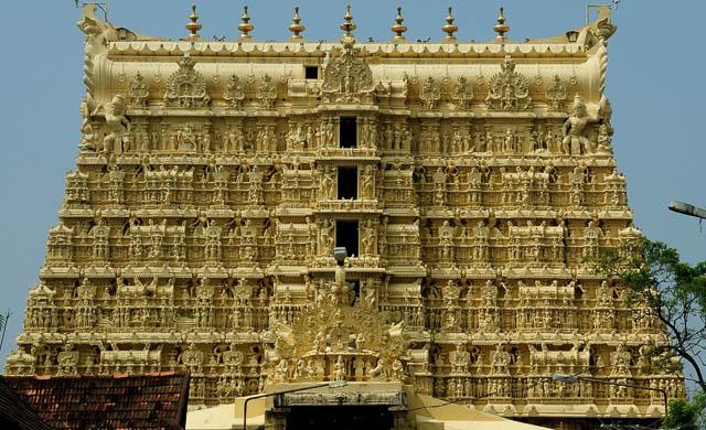 padmanabhaswamy temple in tiruvananthpuram kerala