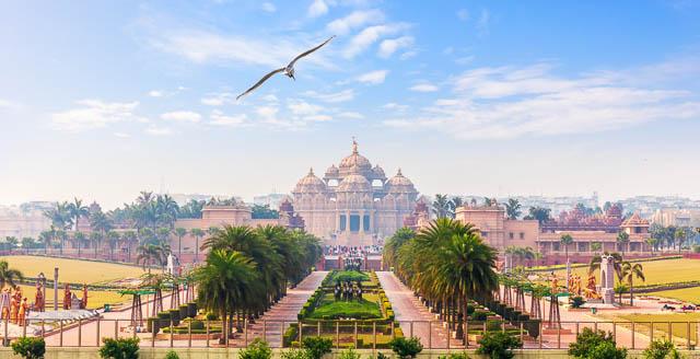 akshardham temple campus in new delhi