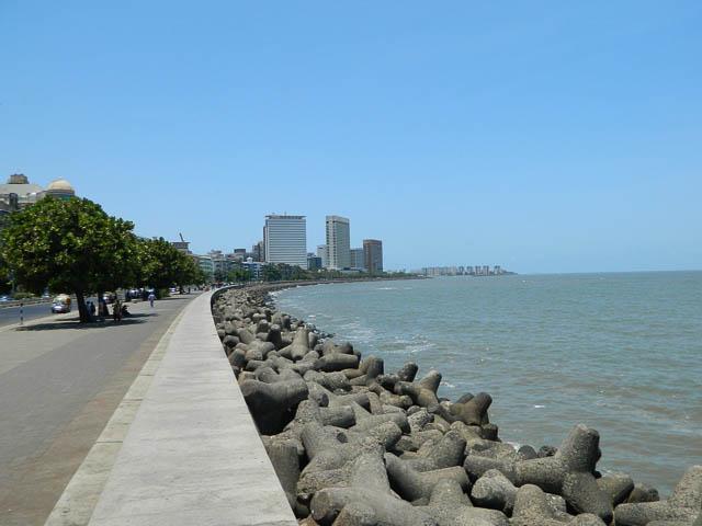 marine drive road in mumbai, maharashtra
