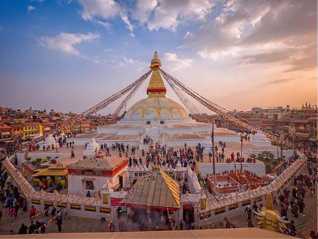 people visiting boudhnath stupa in kathmandu