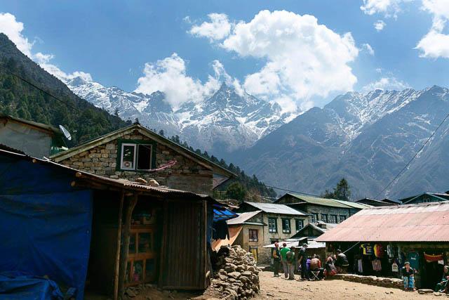 everest base camp trek lukla to phakding, nepal