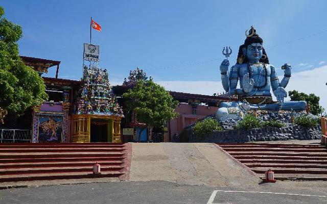 shiva statue near koneswaram temple, trincomalee, sri lanka