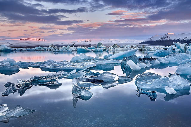 drifting ice blocks floating at jokulsarlon