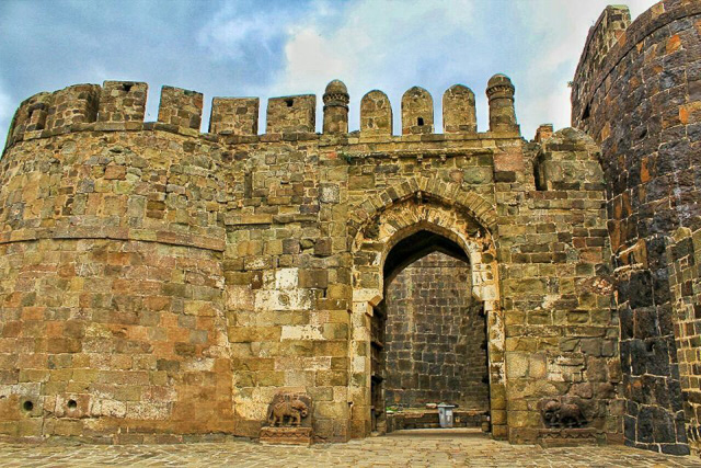front entrance Daulatabad fort Aurangabad Maharashtra India