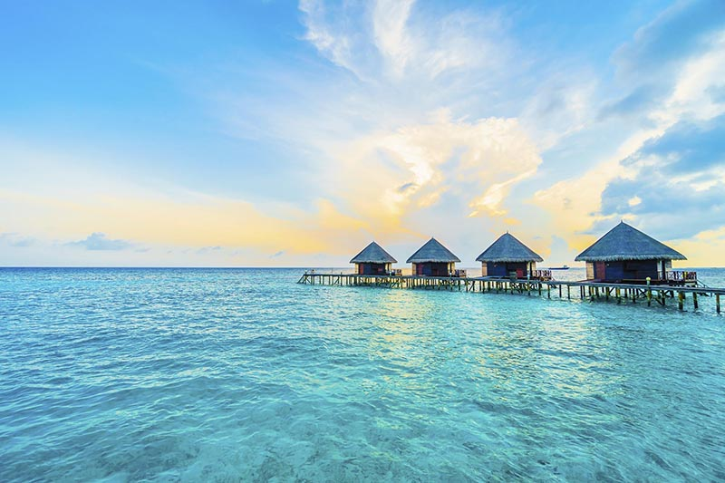 beach hopping in maldives