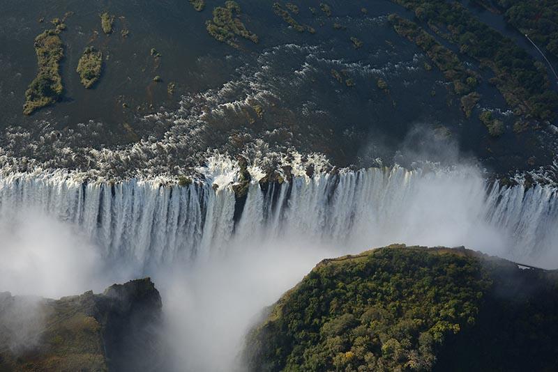 Victoria falls frontal view