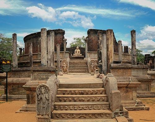 Polonnaruwa   tour